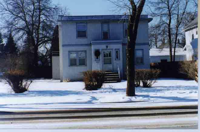 20070614233935-hibbing-house.jpg